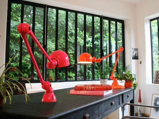 Some easy ways to see red! image: apartment therapy